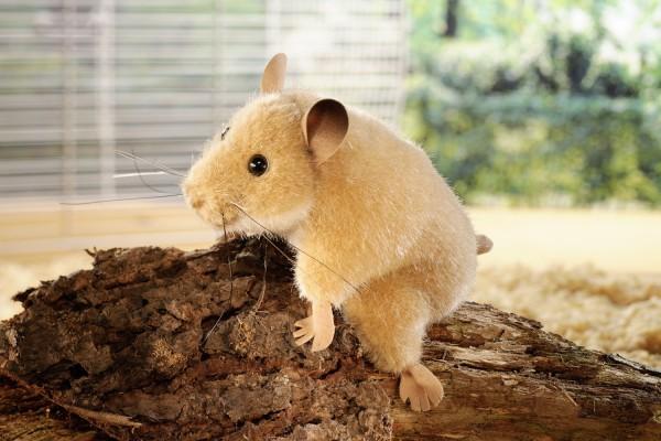 "Hamster ""Berti"", sitzend"